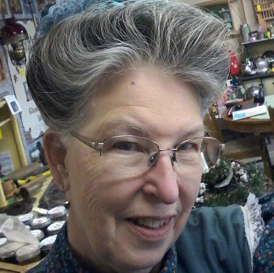Carolyn Henslee